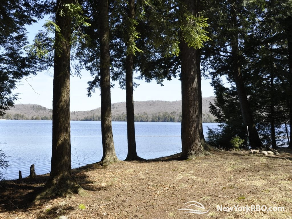 peaceful private setting with great waterfront at cranberry lake