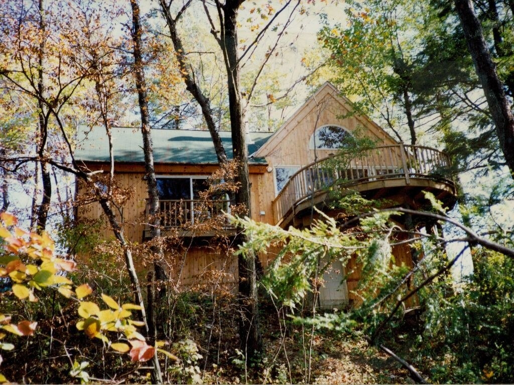 Listing 350 - Beautiful Escape in the Trees Catskills NY